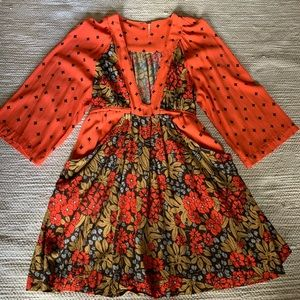 Free People Rayon Floral Tie Waist V Neck Dress